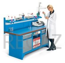 Pracovný stôl modulárny šírka 2000 mm so zadným panelom