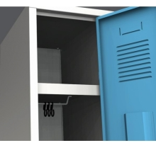Dvoudílná šatní skříň na soklu